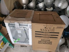 Maytag Washer and Dryer set.