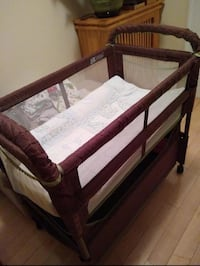 Bassinet on Wheels  23 mi