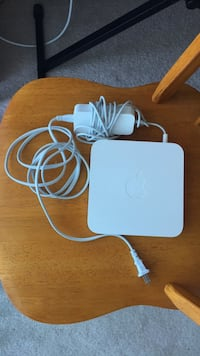 Apple AirPort Extreme Base Station London, N6H 1S6
