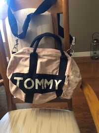 TOMMY HILFIGER TOTE Kitchener