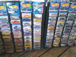Several hundred Hot Wheels from 60s 70s 80s and 90