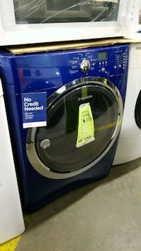 Electrolux electric dryer 27inches!  Queens