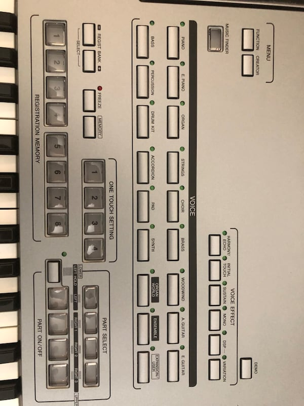 Keyboard- tyros 5 - 76 keys and stand. 691f86b1-dc37-49d9-a677-e24cea21865d