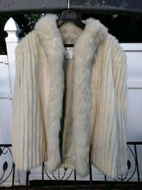 Very nice authentic mink coat size L Queens, 11377