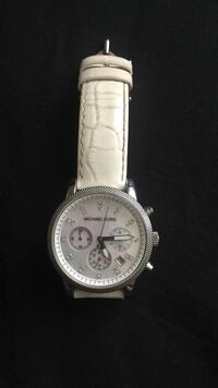 Round silver Michael Kors chronograph watch with white strap Newark, 19711