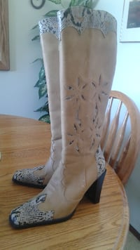 pair of brown leather chunky heeled cowboy boots Lethbridge