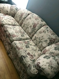 white and green floral fabric 3-seat sofa Boston, 02128