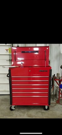 red and black tool cabinet Brighton, 80603