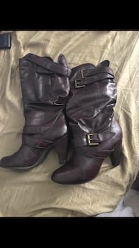 Women's pair of black leather heeled boots Finksburg, 21048
