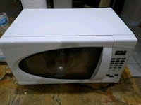 Small Microwave...great for a office, dorm, or sma Lombard, 60148