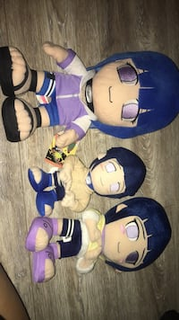 three assorted color plush toys Oakland, 94619