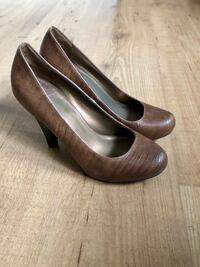 Fergie High heels size 6