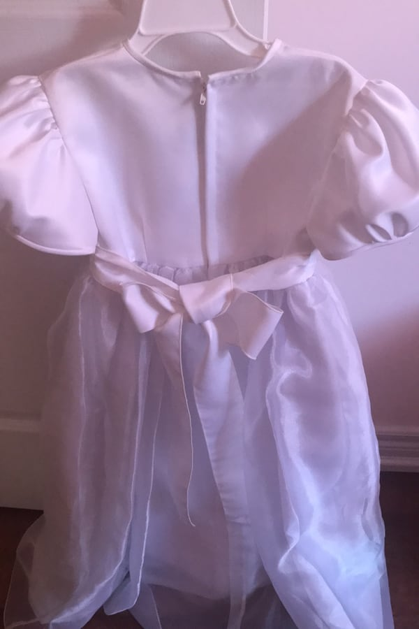 Beautiful White communion or flower girl Dress 402d8db0-f0b8-442b-8363-6a0495ea9da8