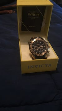 round black Invicta chronograph watch with black strap Bethune, 29009