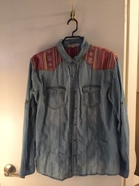 Women's jean button-up shirt Coquitlam, V3J 6S2