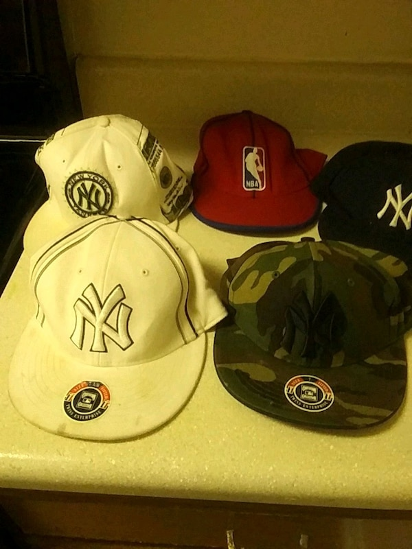 fb6fe2a1 NY Yankees fitted caps size 7 and 7 1/8