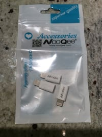 Three white lightning to micro USB Accessories NooWee in package Richmond, V7E 6N1