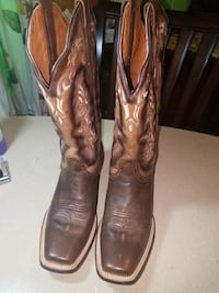 pair of brown leather cowboy boots Plano, 75074