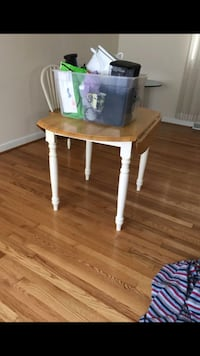 Folding table with 2 chairs Portsmouth, 23703