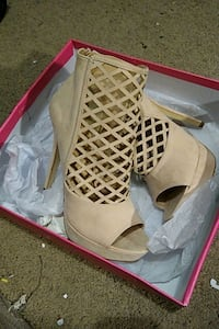Size 10 Nude Suede Open toed heels Ames, 50010