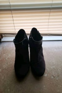Navy Blue Ankle Boots Size 10 Cleveland, 44115