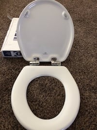 White round toilet seat by Church new in box Sanger, 93657