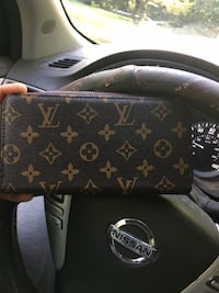 black Louis Vuitton leather wristlet LaGrange, 30240