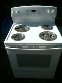 Pure White electronic stove w/ self cleaning  Tampa, 33612