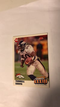autographed football player trading card Lowell, 01852