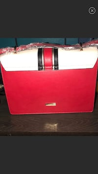 Red and white leather tote bag Southfield, 48076