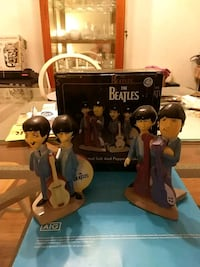 Beatles animated salt and pepper shakers Burbank, 60459