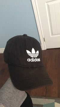 Black and white adidas cap Oakville, L6H 7L3