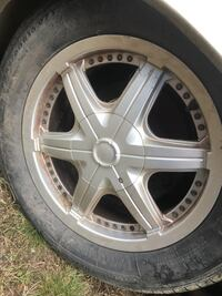 """5 bolt """"universal"""" 16 """" tires and wheels came off a crown Vic but can Park Rapids, 56470"""