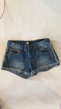 blå denim distressed korte shorts Hetlevik, 5304