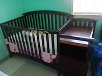 Babybed attached changing table Dallas, 75216