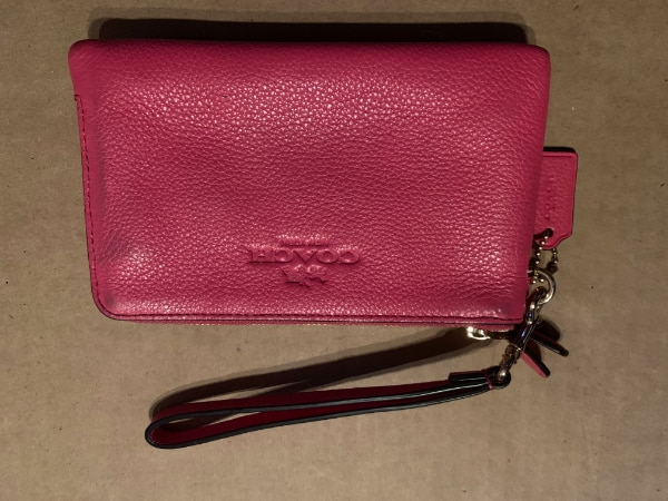 1383be3b604af4 Used Coach Wristlet for sale in Hillsborough - letgo