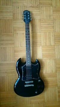 Epiphone sg G310+ few strings+ bag