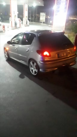 2005 Peugeot 206 1.4 HDI X-LINE 8bfe8502-6ee9-42e0-beef-28cb19a1f547