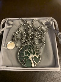 Family Tree Necklace - Tree of life Mississauga, L5J 2B9