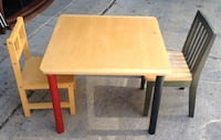 Kids table and chairs / wood 307 mi
