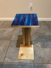 Hand crafted side table. Perfect for bedside, couch side, etc 789 mi