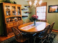 Oak table, six spindle chairs and hutch ALLENTOWN