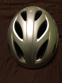 Bike helmet perfect condition Port Coquitlam, V3B 4E8