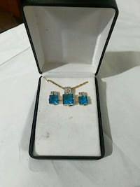 Necklace and earring set St. Louis, 63143