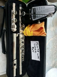 black and gray clarinet with case Libau, R0E 1C0