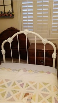 Twin headboard with frame -like NEW  Las Vegas, 89131