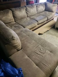 Sectional Couch with Chaise lounge + Ottoman Irvine, 92620