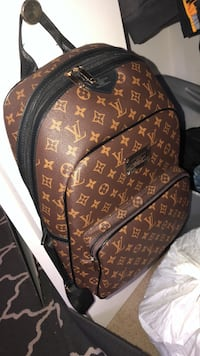 louis vuitton backpack Round Lake Beach, 60073