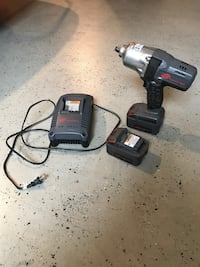IR 1/2 battery impact gun kit. 2 batteries and charger. Stephens City