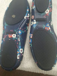 black and blue floral print slip on shoes Baltimore, 21207